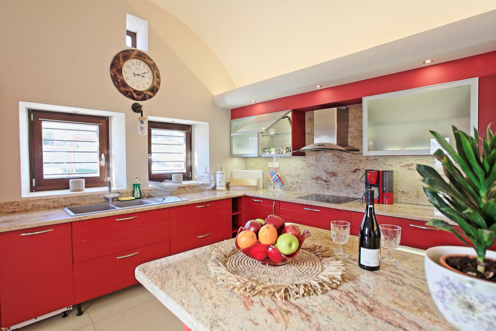 Irenes_Mansion_kitchen3.jpg